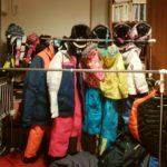 パパスキーヤーが教える「家族でスキーを始めるときに用意するものリスト」