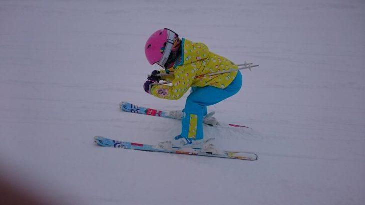 パパスキーヤーの子供スキー教室「初級編⑦ここまでできれば1人前!!板を揃えて滑る3つのポイント」