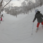 パパスキーヤーが教える誰でもできるスキーメソッド「⑭遊び方は無限大!!地形を楽しむ方法」
