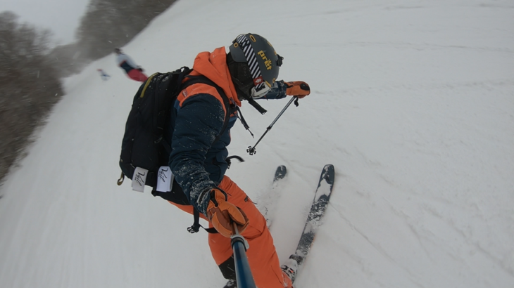 パパスキーヤーが教える誰でもできるスキーメソッド「⑰飛べなくてもオシャレにキマるナックルハックって知ってる???」